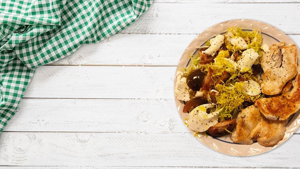 Pechuga de pollo con ensalada de escarola
